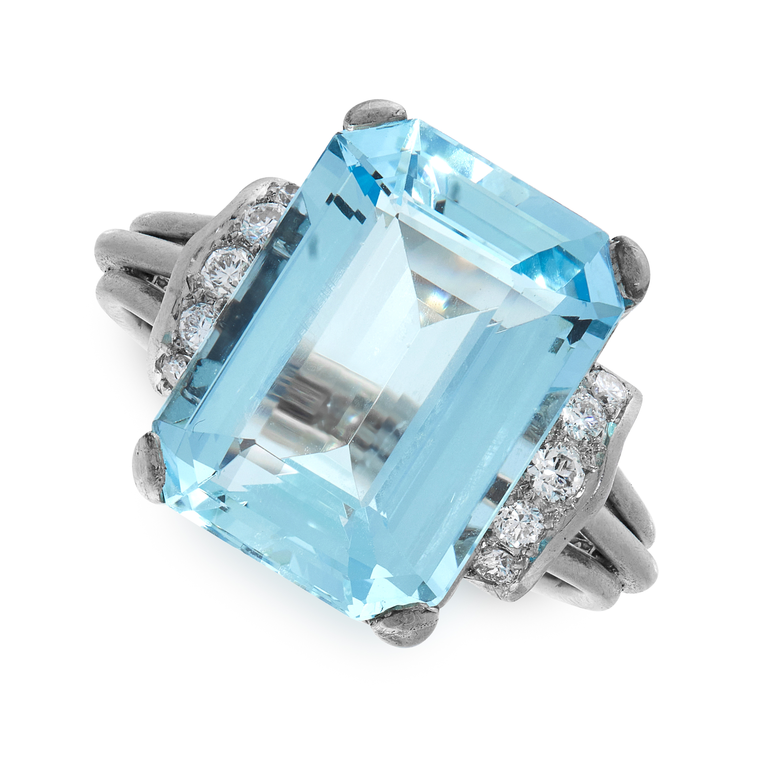 AN AQUAMARINE AND DIAMOND RING in 14ct white gold, set with an emerald cut aquamarine of 12.88
