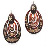 A PAIR OF ANTIQUE TORTOISESHELL PIQUE EARRINGS, 19TH CENTURY each formed of a trio of graduated