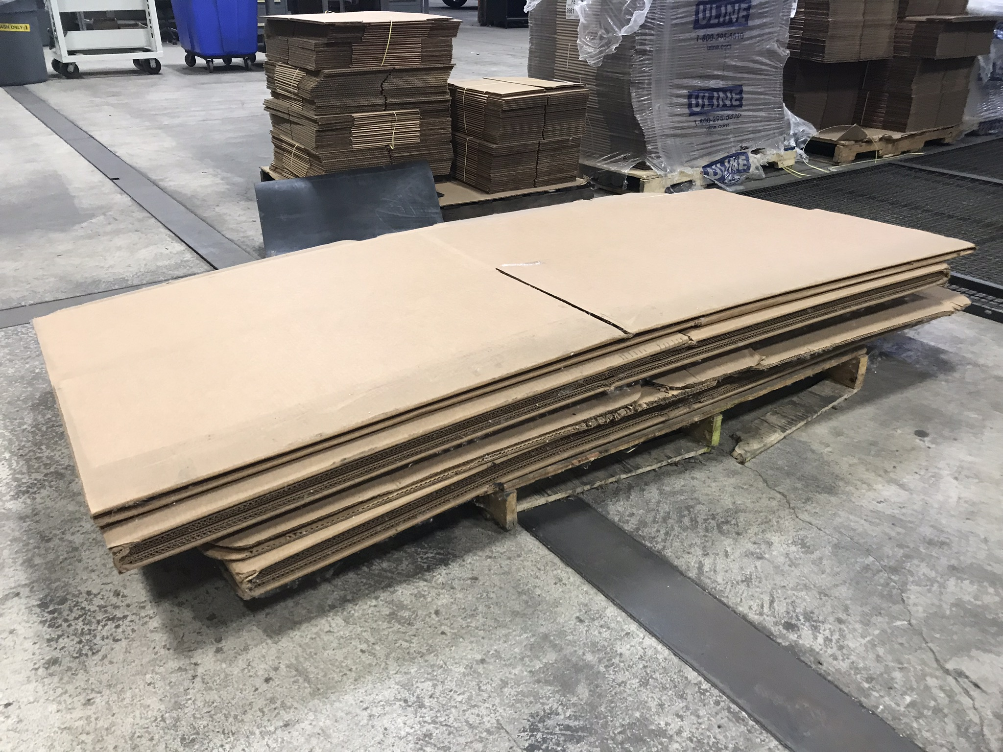 "Lot-Shipping Boxes, 9"" x 9"" x 9"", 24"" x 18"" x 12"", 12"" x 12"" x 12"", and Extra Long Boxes - Image 2 of 7"