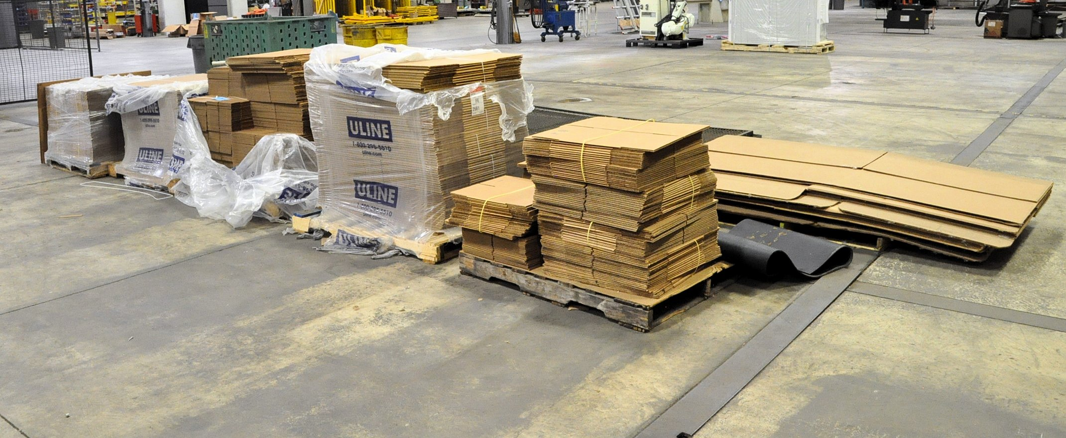 "Lot-Shipping Boxes, 9"" x 9"" x 9"", 24"" x 18"" x 12"", 12"" x 12"" x 12"", and Extra Long Boxes"