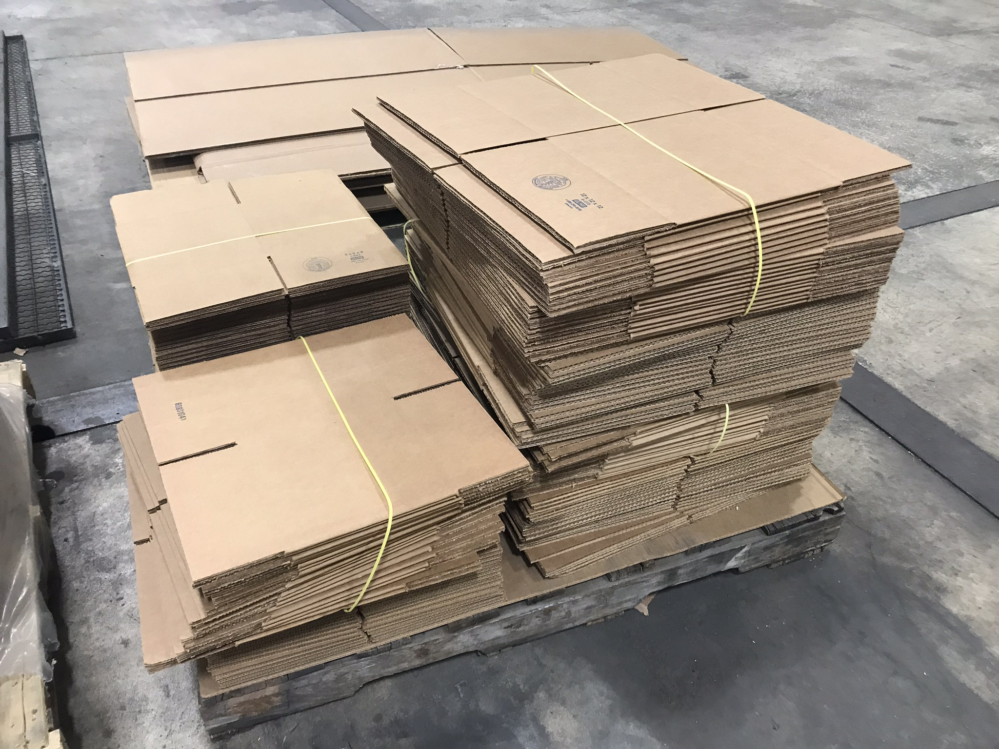 "Lot-Shipping Boxes, 9"" x 9"" x 9"", 24"" x 18"" x 12"", 12"" x 12"" x 12"", and Extra Long Boxes - Image 7 of 7"