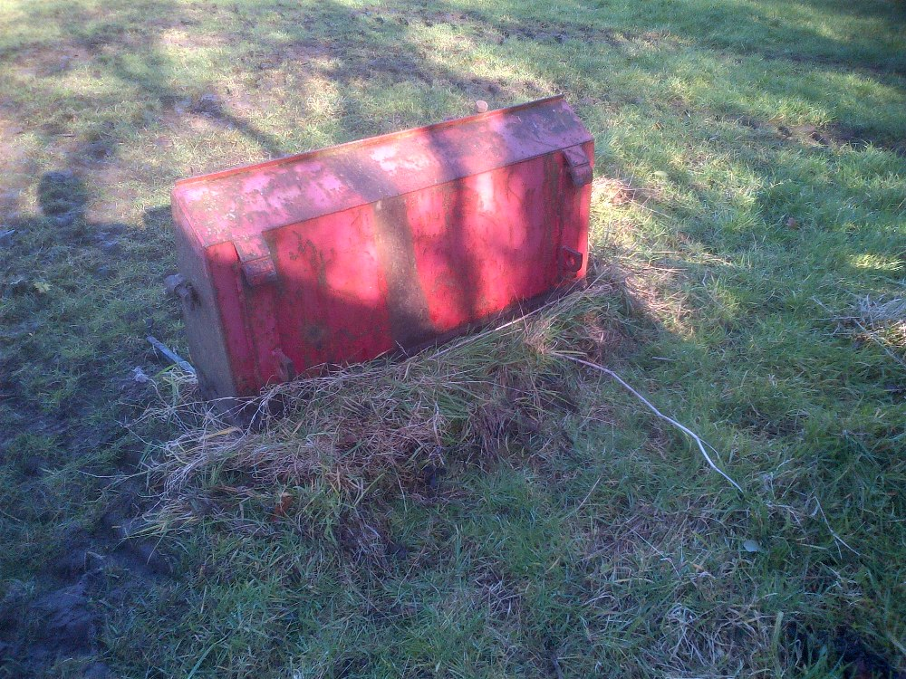 Lot 10 - Loader muck fork with Quicke no 3 brackets.