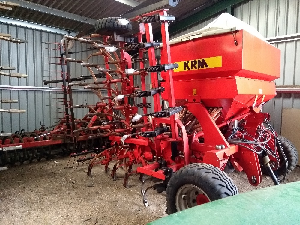 Lot 29 - KRM 6M Solardrill 799, 2008, RDS area meter, cultivation tines, level board, tine coulters, PTO fan,