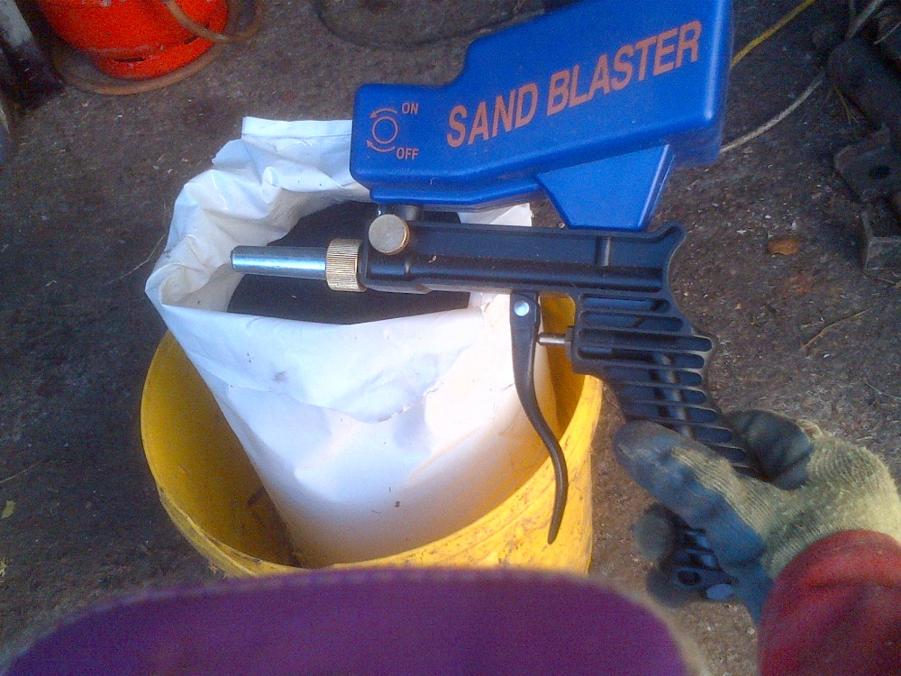 Lot 3 - Sand blaster and grit Stored near Langley,