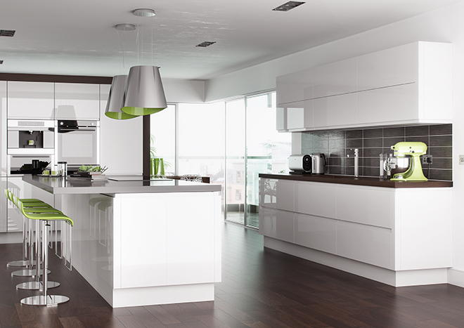 Circa 4,559 items of Kitchen Goods from the following ranges: Gloss White, Westleigh Textured Oak - Image 2 of 21