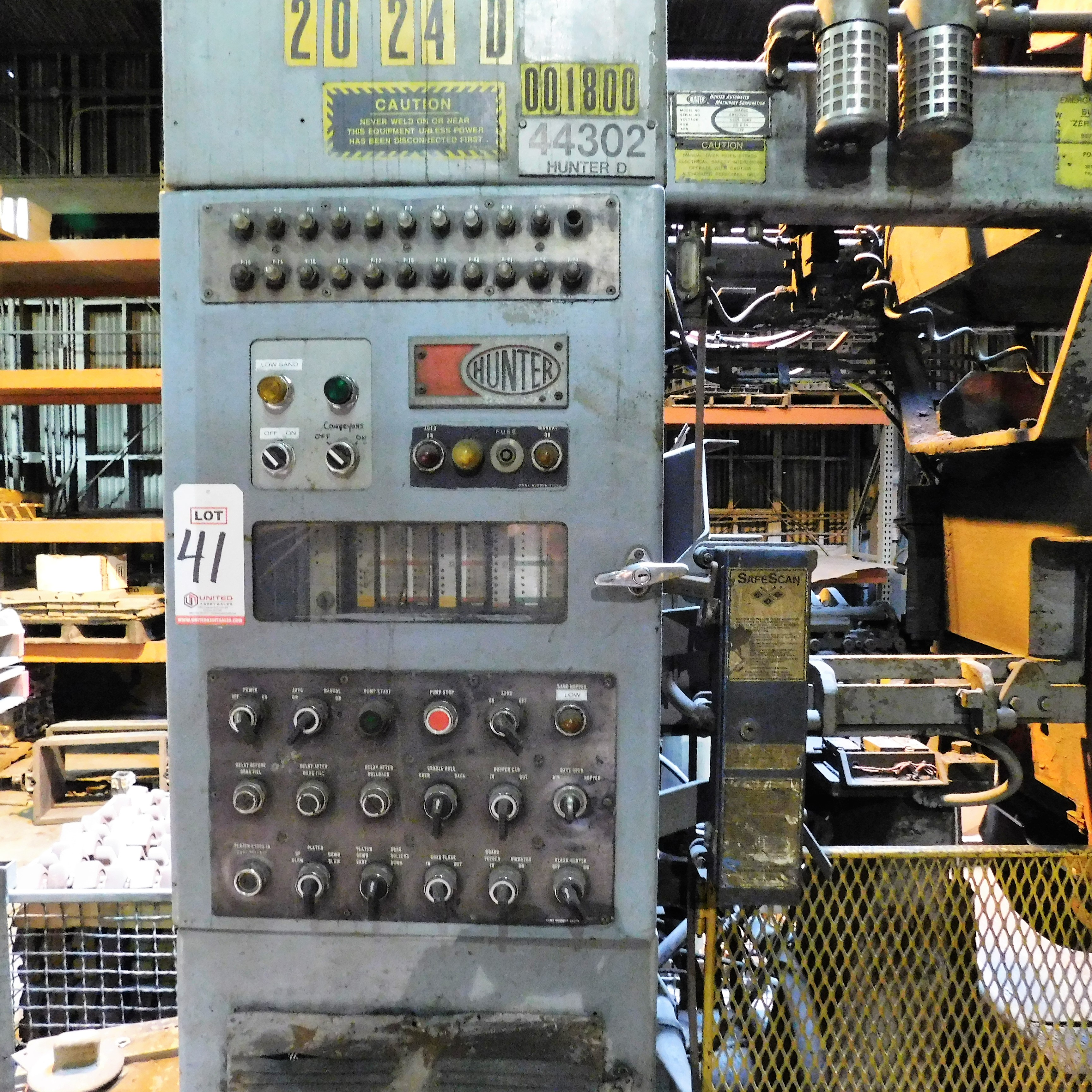 Lot 41 - 1988 HUNTER HMP20C AUTOMATIC MOLDING MACHINE, S/N A88D1010, OPP, W/ LIGHT CURTAIN & PLC CONTROLS