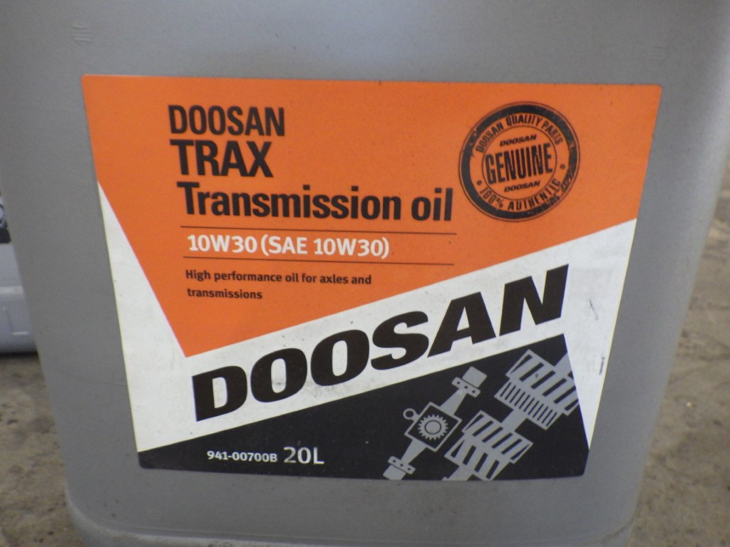 DOOSAN 10W30 (SAE 10W30) TRAX TRANSMISSION OIL HIGH PERFORMANCE FOR AXLES & TRANSMISSIONS, 20L - Image 2 of 4