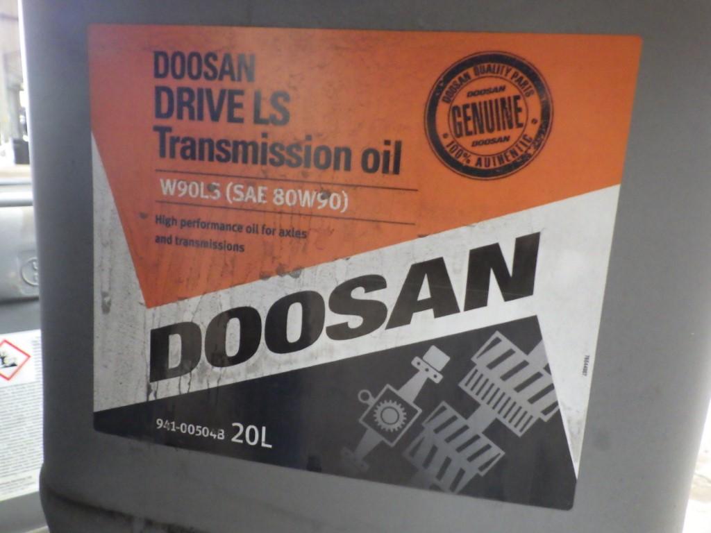 DOOSAN W90LS (SAE 80W90) DRIVE LS TRANSMISSION OIL HIGH PERFORMANCE FOR AXLES & TRANSMISSIONS, 20L - Image 2 of 4