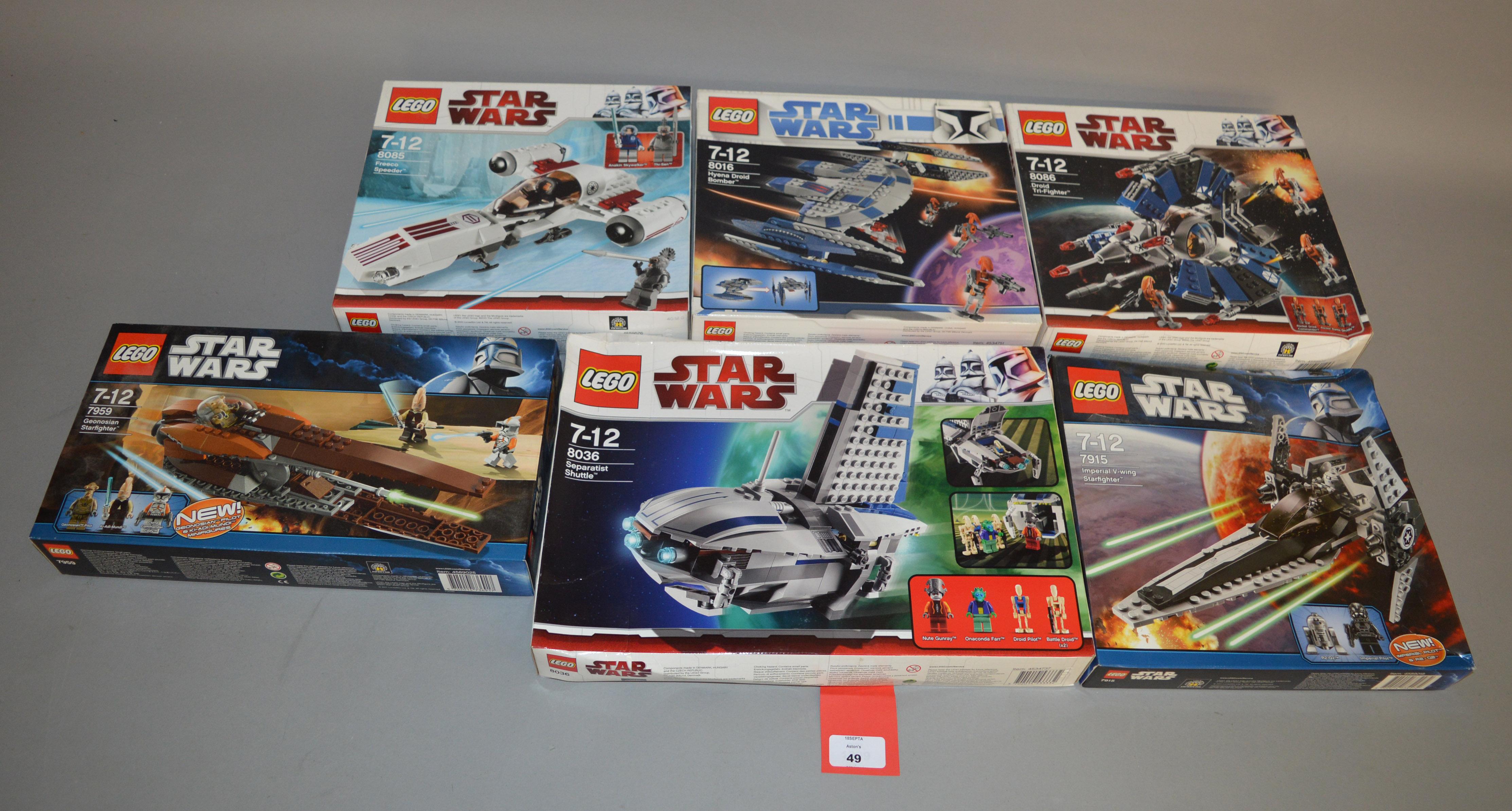 Lot 49 - Lego Star Wars sets: 7915 Imperial V-wing Starfighter; 7959 Geonosian Starfighter;