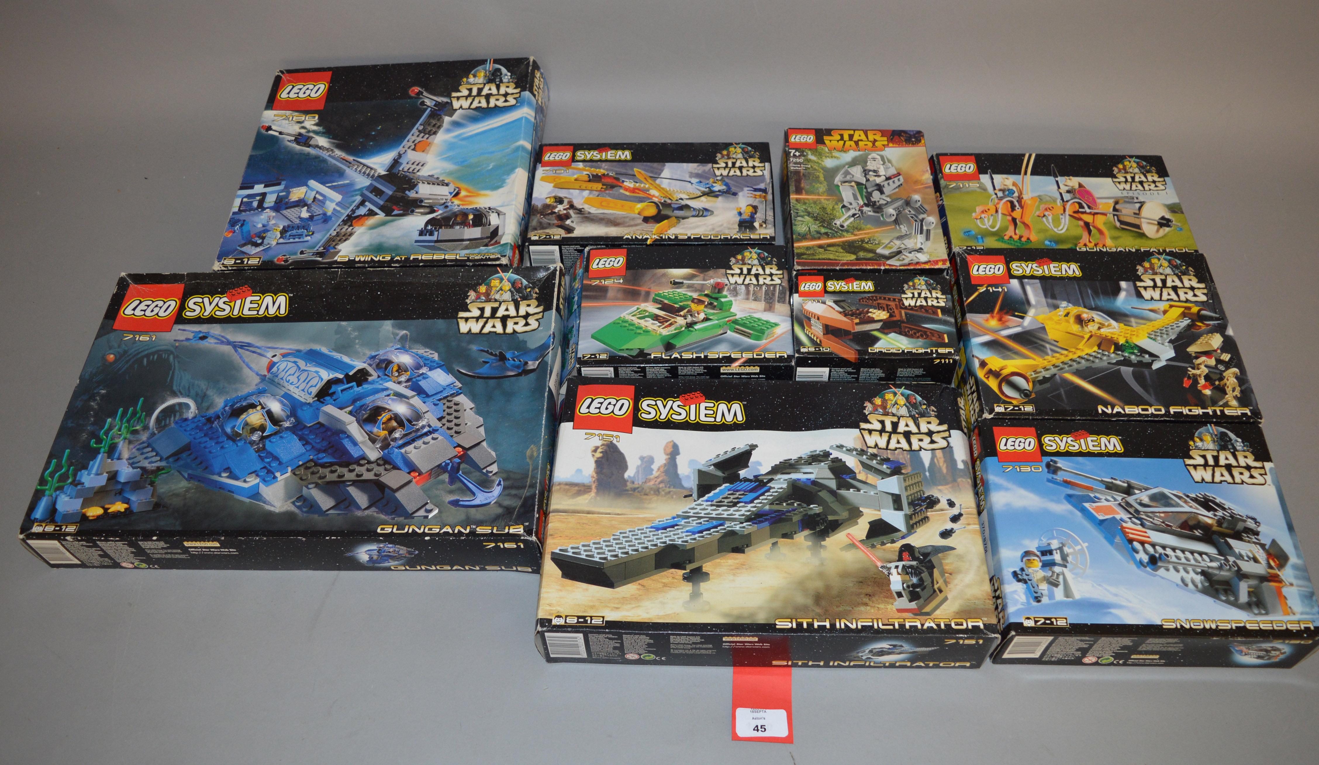 Lot 45 - 10 x Lego Star Wars sets: 7161 Gungan Sub; 7180 B-wing at Rebel Control Center; 7141 Naboo Fighter;