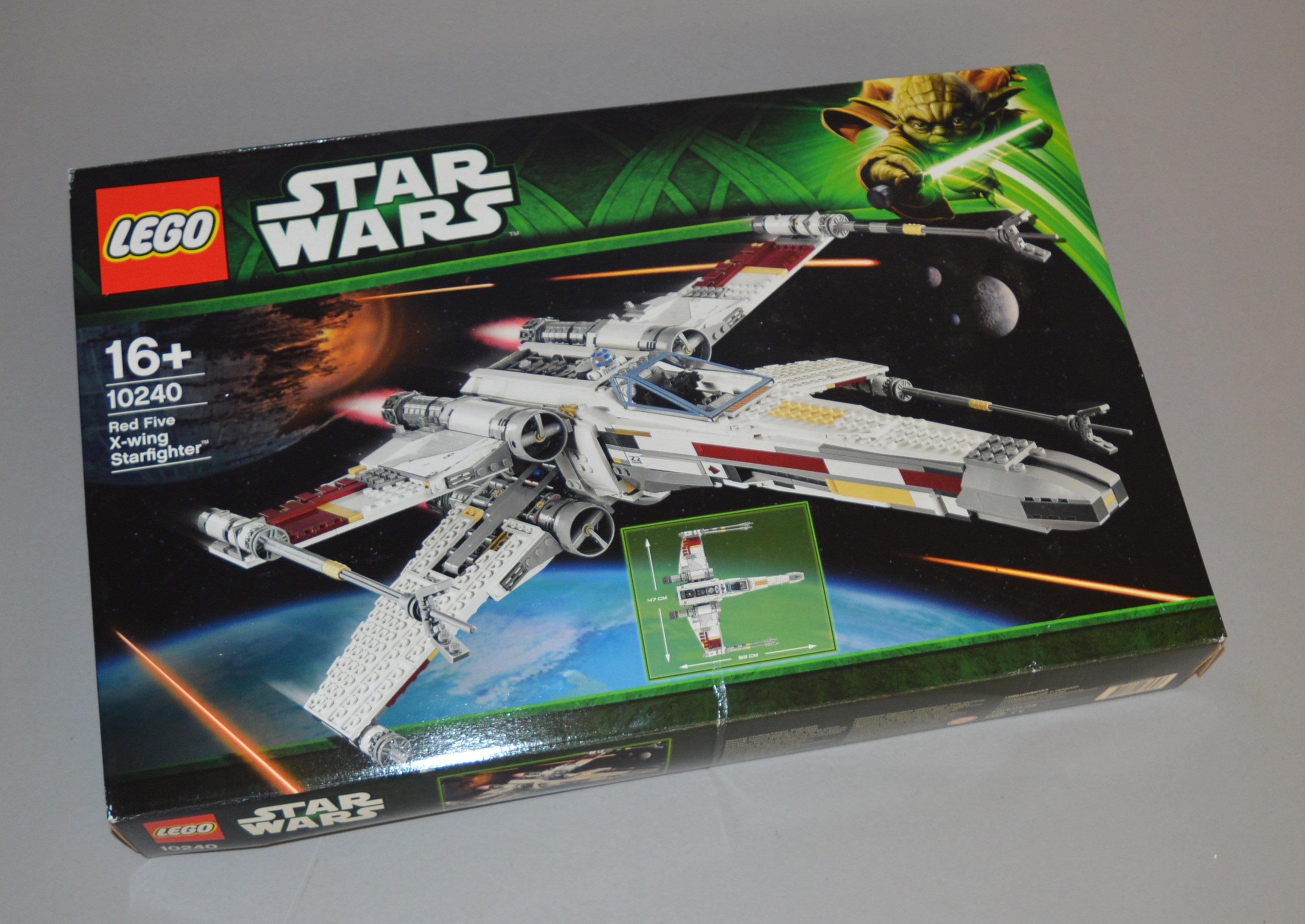 Lot 1 - Lego Star Wars 10240 'Red Five X-wing Starfighter',