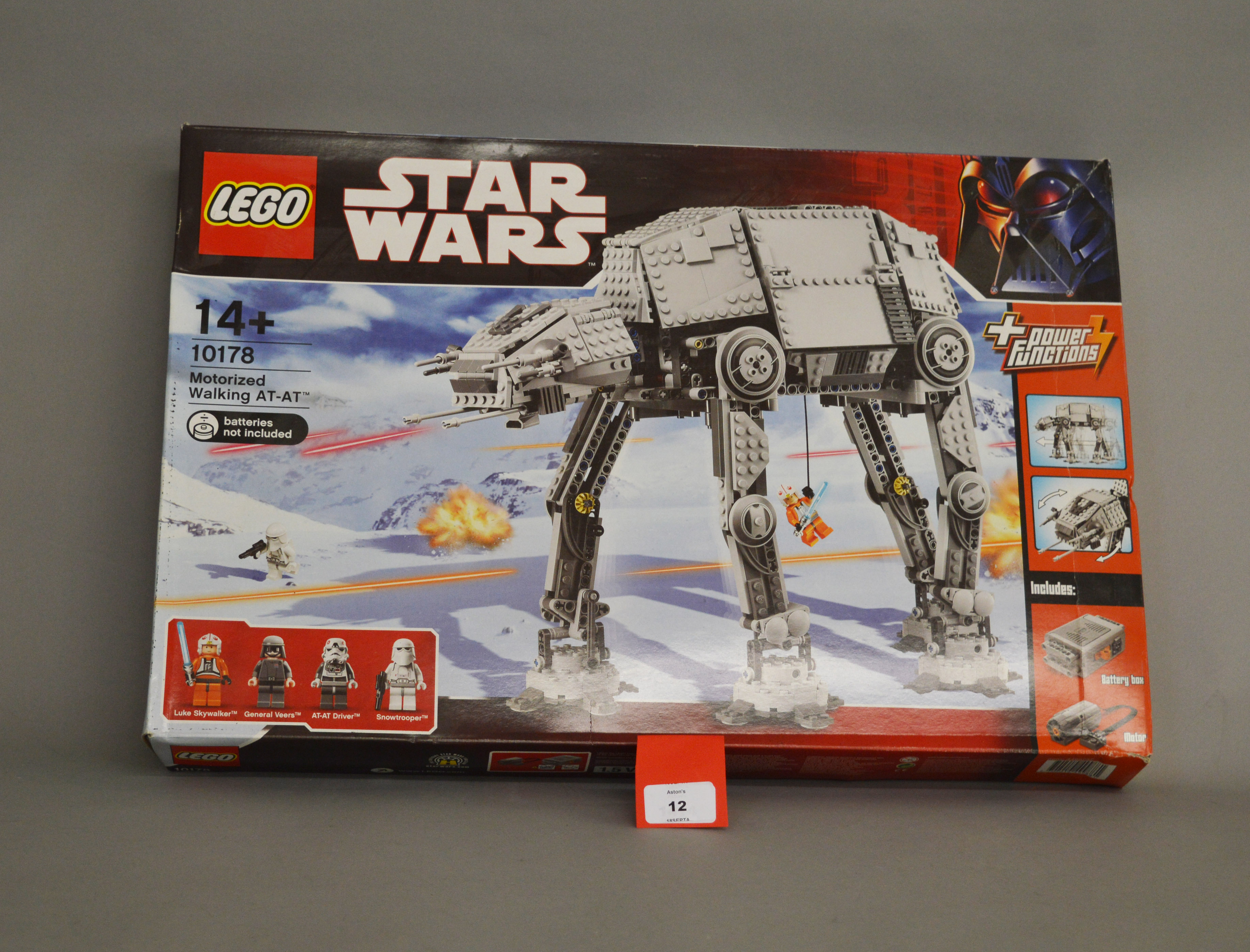 Lot 12 - Lego Star Wars 10178 Motorized Walking AT-AT.