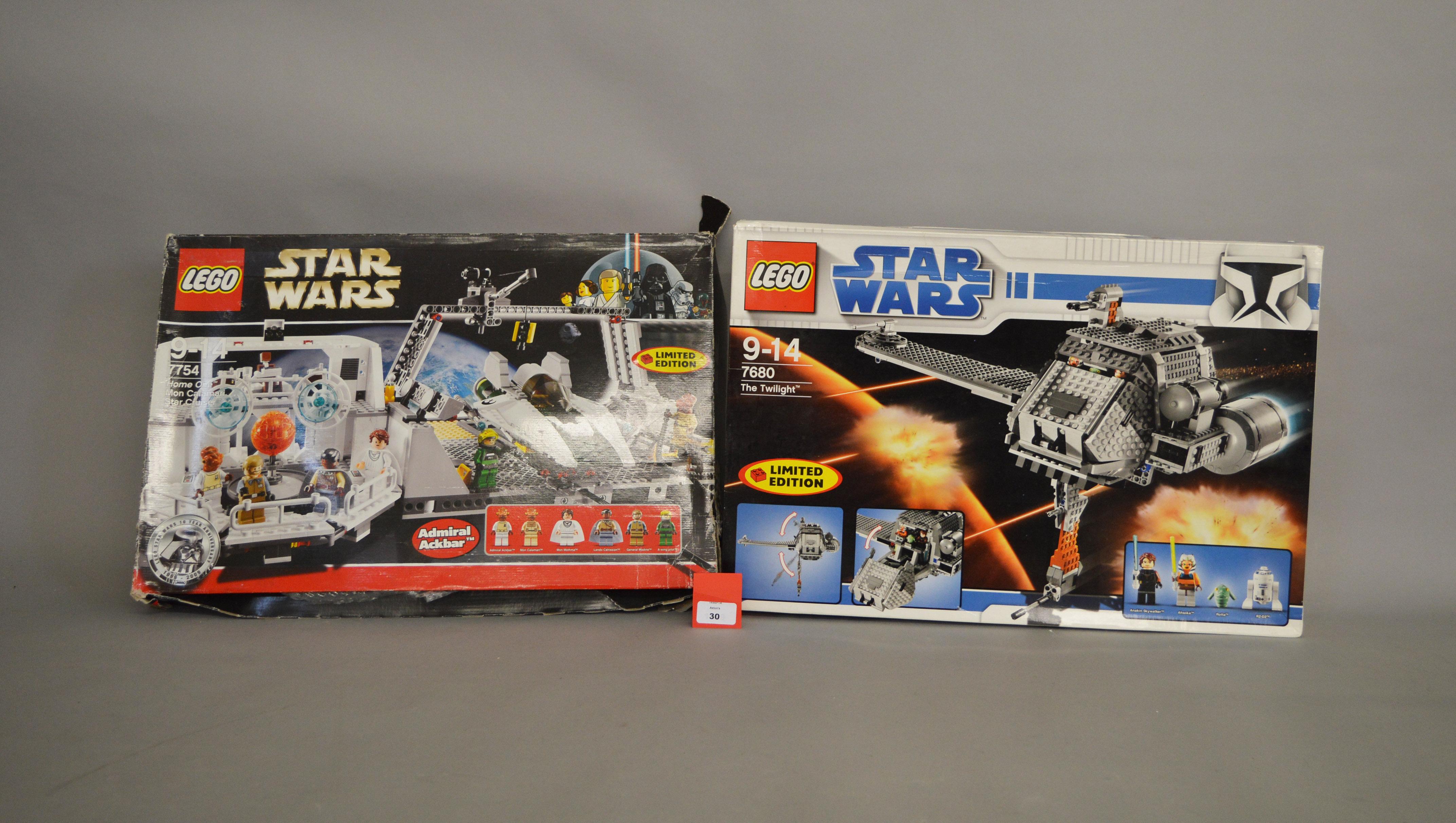 Lot 30 - Two Lego Star Wars sets: 7754 Home One Mon Calamari Star Cruiser; 7680 The Twilight.