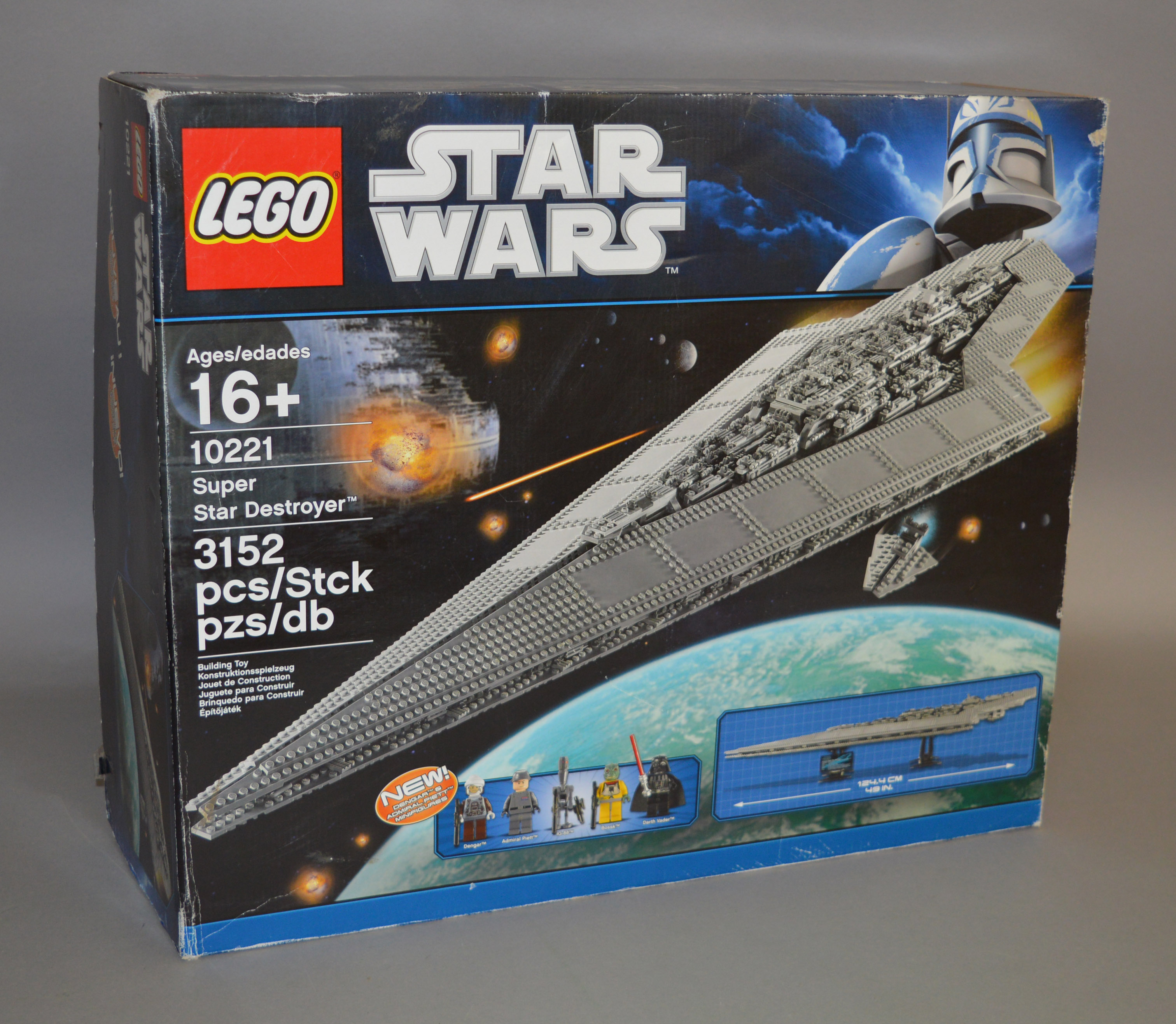 Lot 48 - Lego Star Wars 10221 'Super Star Destroyer', in generally G box with some scuffing and creasing.