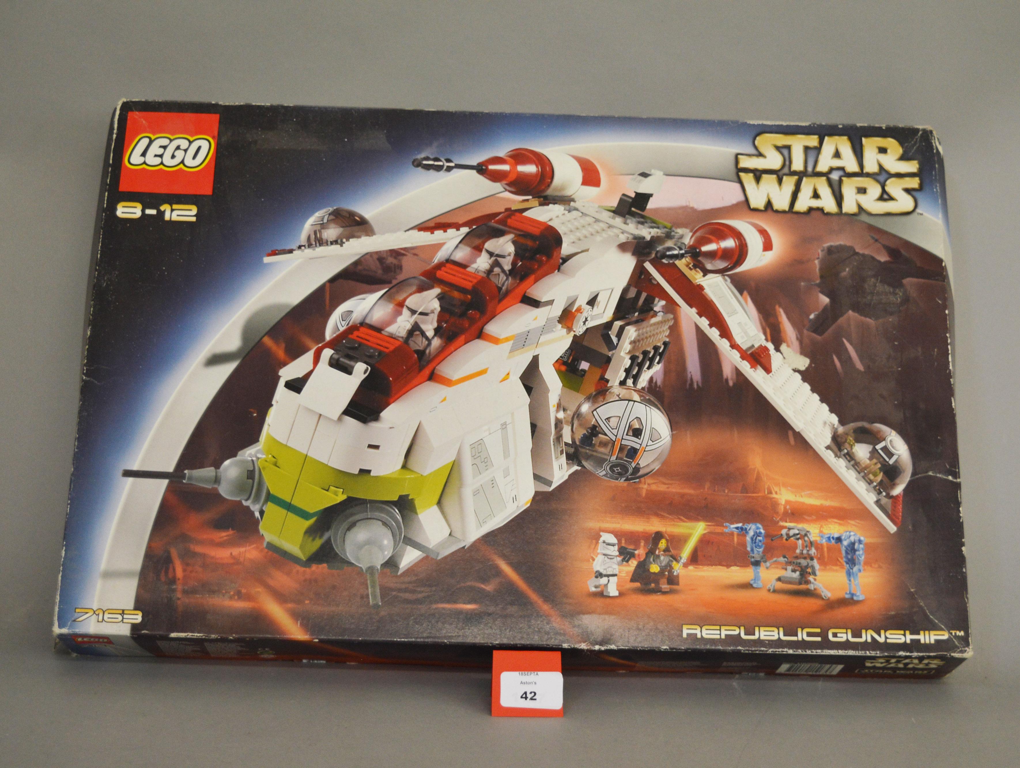 Lot 42 - Lego Star Wars 7163 'Republic Gunship', in generally G box with some undulation, creasing,