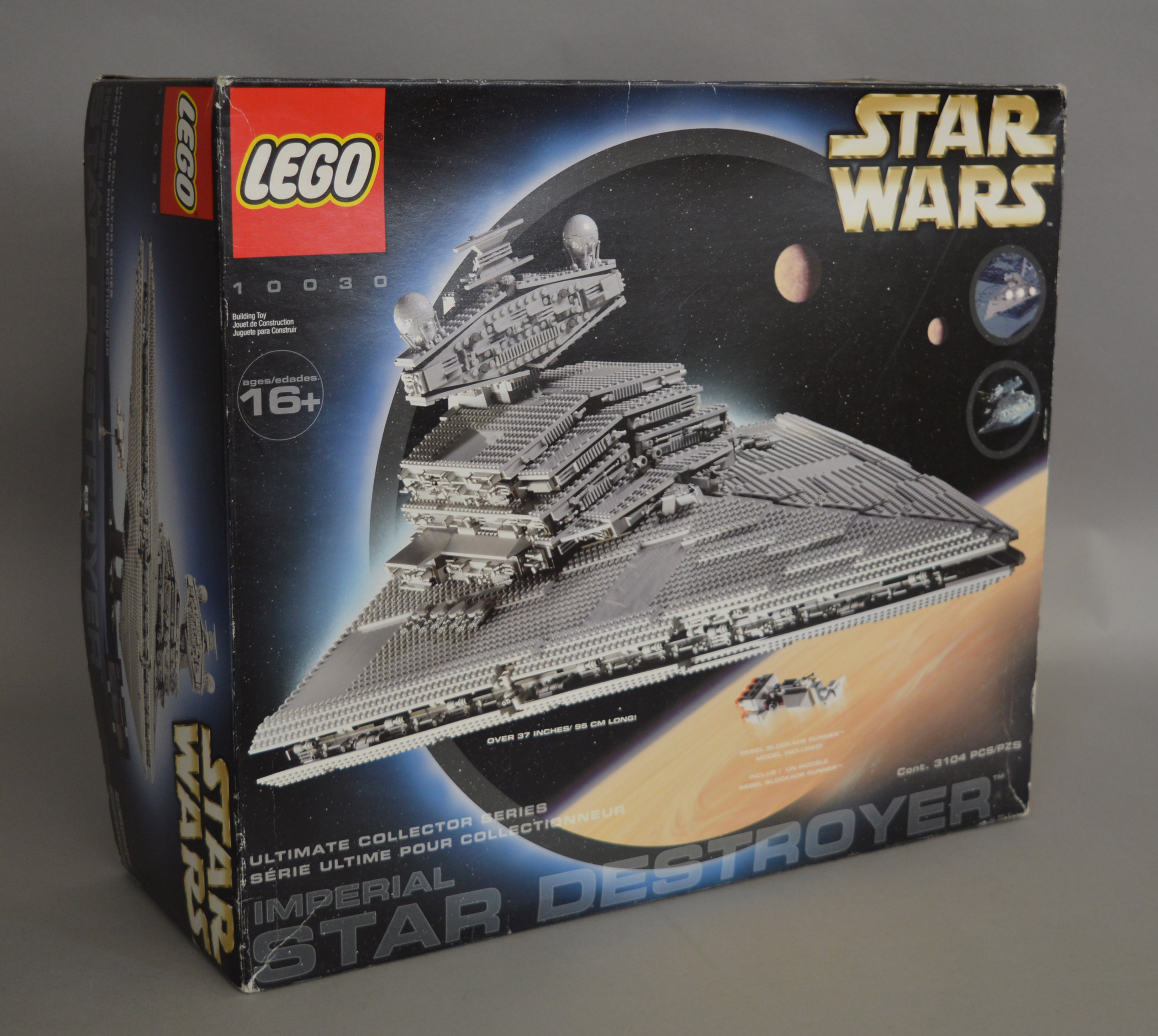 Lot 14 - Lego Star Wars 10030 'Imperial Star Destroyer', in generally G box with some scuffing and creasing.