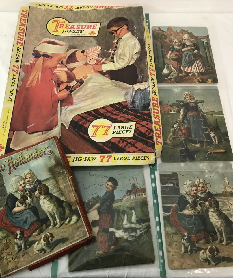 "Lot 70 - A vintage set of 4 Spears Zig-Zag puzzles for children ""Little Hollanders""."