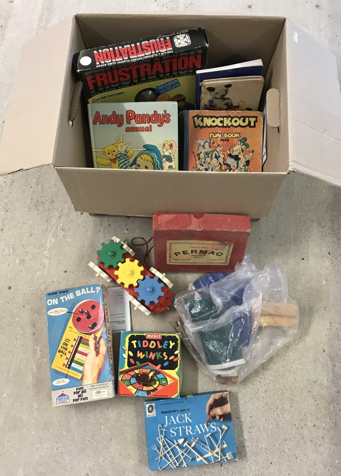 Lot 100 - A box of assorted vintage toys and games.