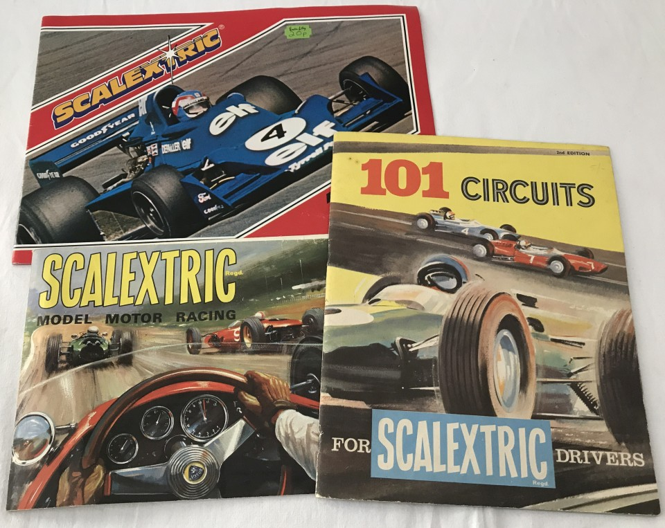 Lot 1 - Scalextric - '101 Circuits' book (c1960's), and 2 catalogues 7th & 19th editions.