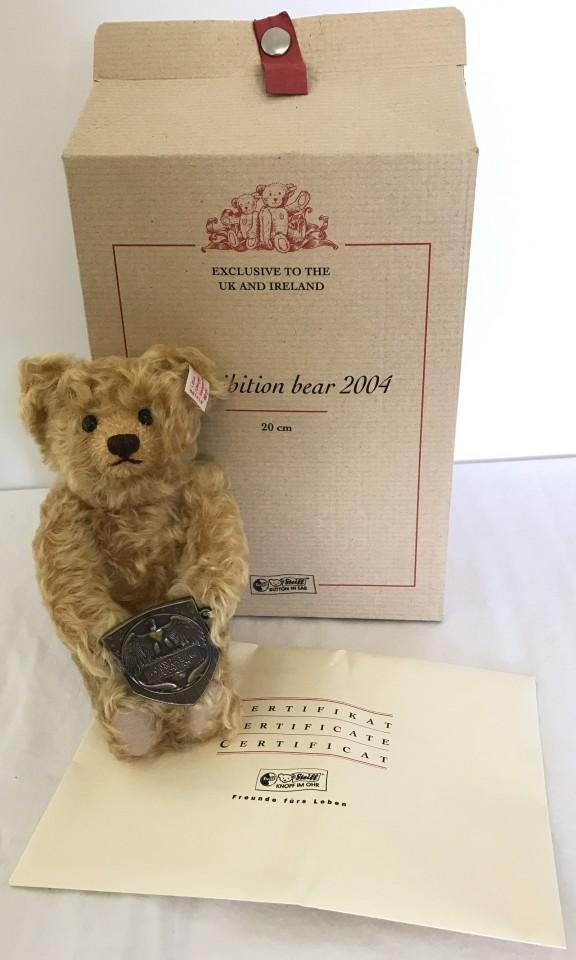Lot 135 - A boxed Limited Edition Steiff teddy bear.