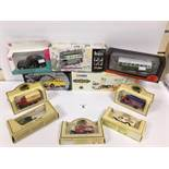 A MIXED LOT OF DIE CAST VEHICLES, INCLUDING CORGI CLASSICS WHISKY COLLECTION BELL'S AEC ERGOMATIC
