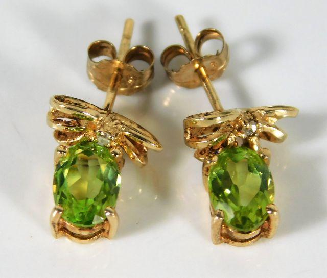 Lot 356 - A pair of 9ct gold peridot & diamond earrings 2.3g