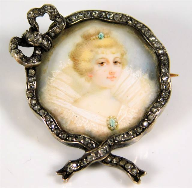 Lot 353 - A 19thC. French hallmarked brooch set with diamond
