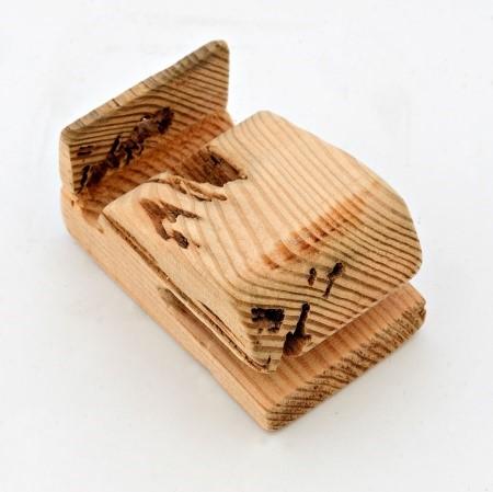 Lot 1L - Artist: Phoebe Weeks Title: Whale phone holder Size: 7 x 12 6(h) cm Medium: Baulk