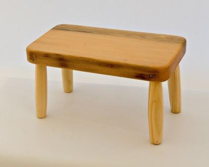 Lot 40 - Artist: Ron Dickson Title: Stool Size: 35 x 22 x 19 (h) cm Medium: Baulk Wood Ron Dickson Ron was