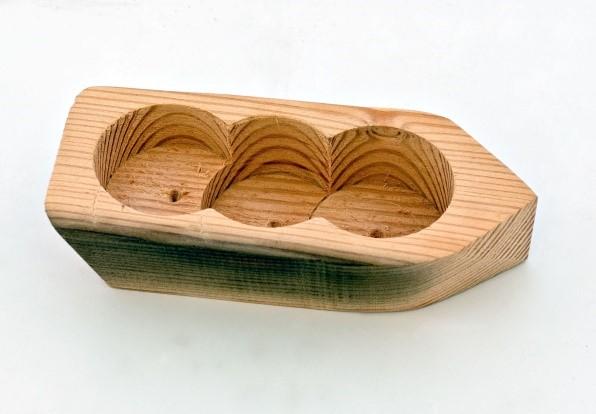 Lot 1B - Artist: Thomas Sharratt (Helston Community College) Title: Boat / Candleholder Size: 7 x