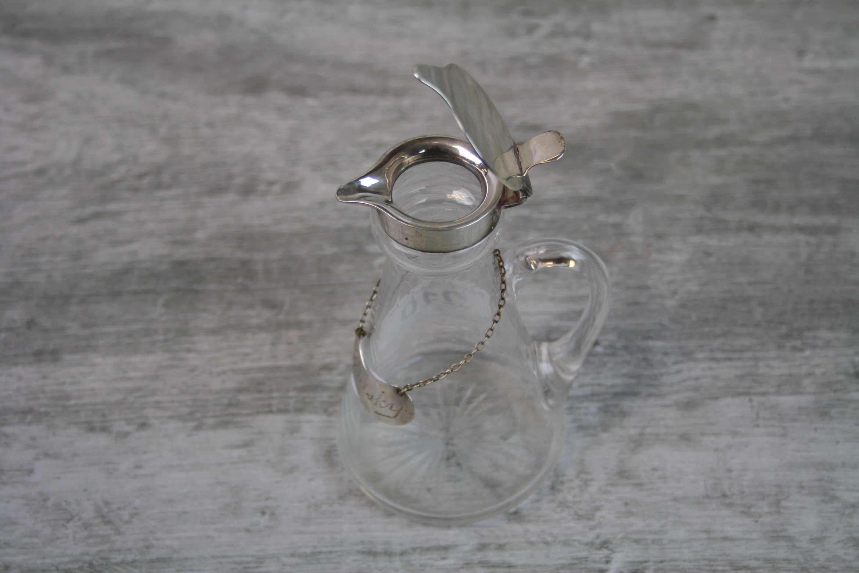 Edwardian silver topped whisky noggin, glass body of plain form with cut glass star design to - Image 4 of 4