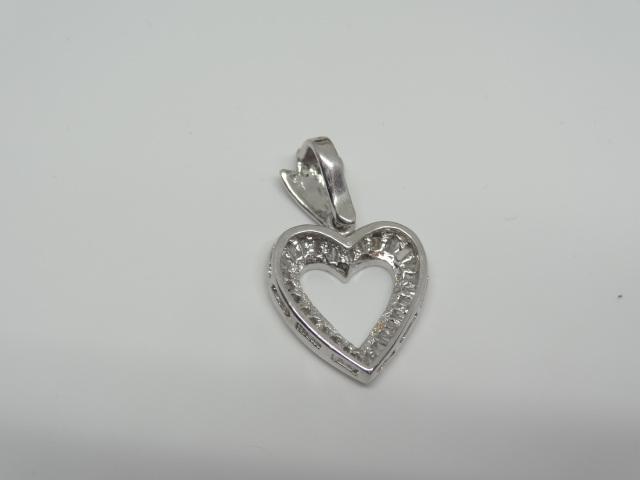 18k white gold Pendent 2.8 gr 28 baguettes diamonds - Image 2 of 2
