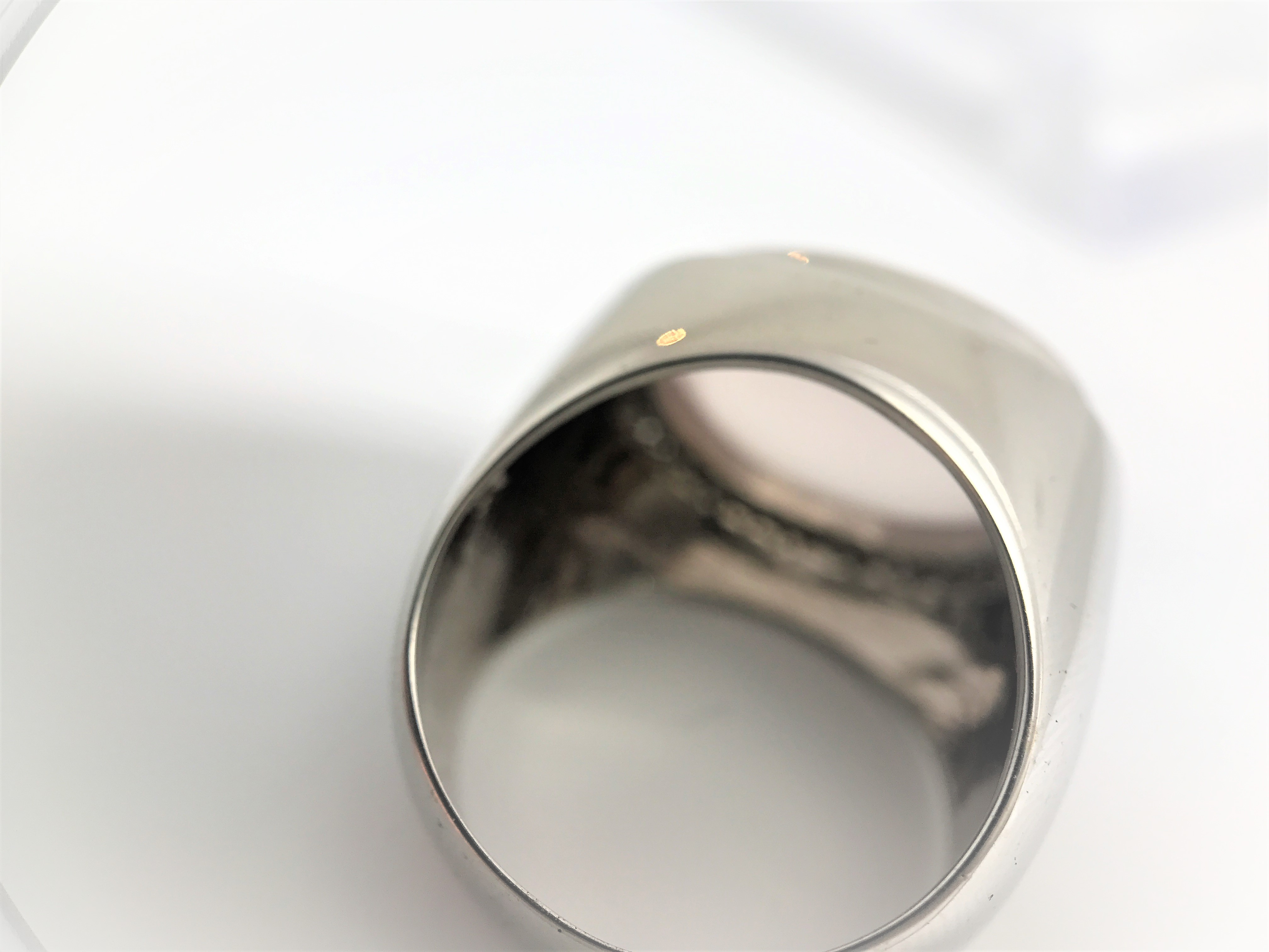 Modern coktail ring with a milky rose quartz in halo design set in 18k white gold. 40 diamonds. Size - Image 4 of 4