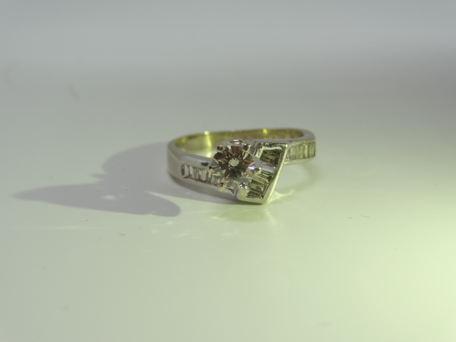 Lot 15 - Matching engagement ring and wedding band. 18ct gold