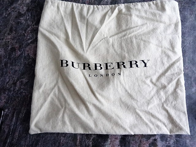 Lot 29 - Authentic BURBERRY HAYMARKET CHECK MESSENGER BAG Beige and multicolor Haymarket Check coated