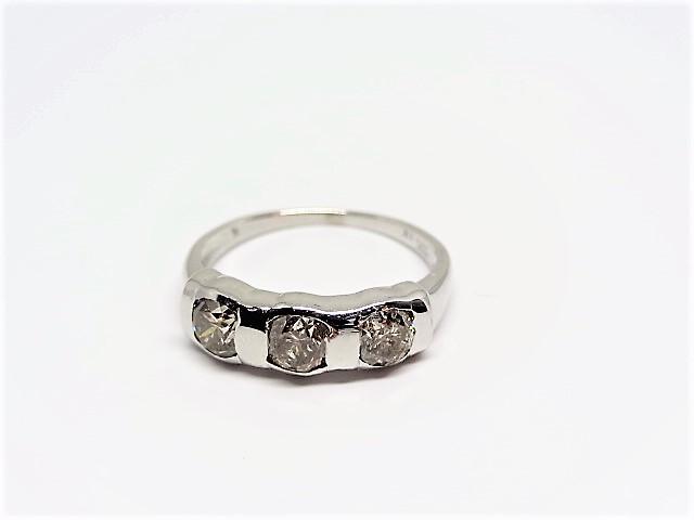 Lot 5 - Trinity diamond Ring 10K white gold with diamond