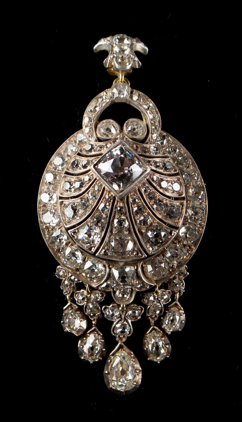 Lot 248 - A very good Georgian diamond tasselled pendant or brooch, the estimated total diamond weight 13.0