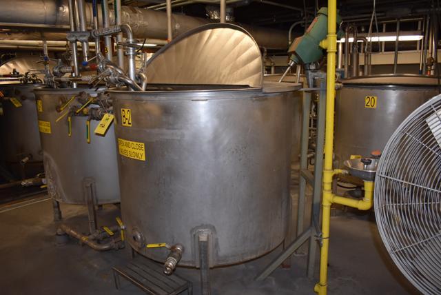 "Lot 52 - Stainless Steel Tank, 48"" Diameter x 42"" Depth/330 Gallon Capacity, Includes Motorized Mixer, ID B-"
