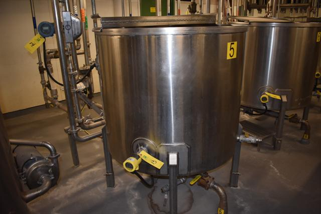 "Lot 13 - Stainless Steel Tank w/Lid, 42"" Diameter x 36"" Depth/210 Gallon Capacity, Motor and Circulating"