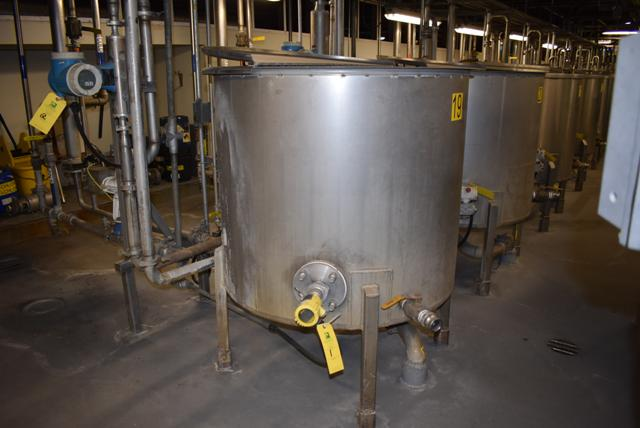 "Lot 1 - Stainless Steel Tank w/Lid, 42"" Diameter x 36"" Depth/210 Gallon Capacity, Motor and Circulating"