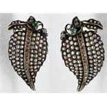 Paar antike Ohrgehänge mit Diamantrosen, Orientperlen und Smaragd, 19. Jh. Paar antike Ohrgehänge