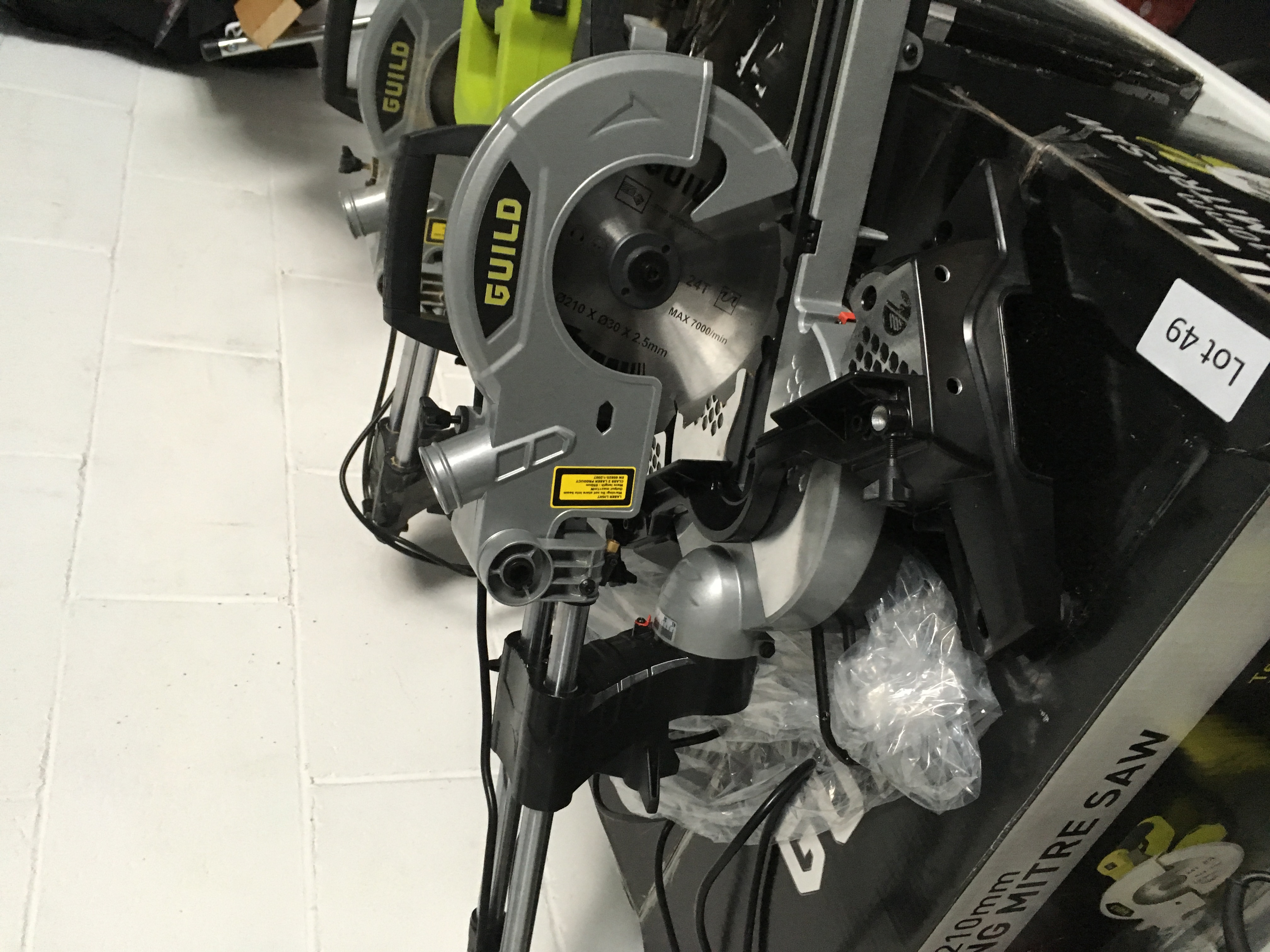 Lot 49 - Guild 1700W / 210mm sliding mitre saw. Working, bad packaging.