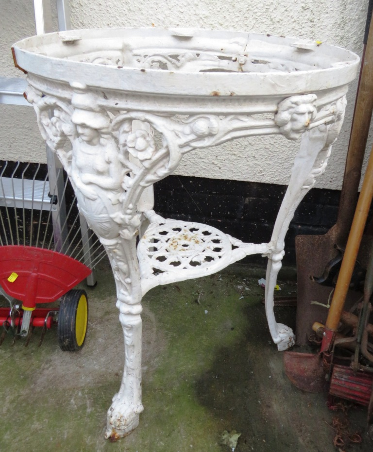 Lot 30 - WHITE PAINTED CAST IRON ORNATE TABLE BASE WITH FIGURAL DESIGN TO LEGS A/F