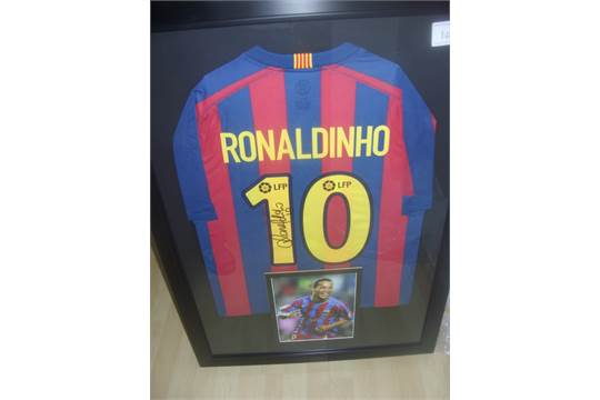 Ronaldinho Framed Signed Barcelona Football Shirt: Beautifully ...