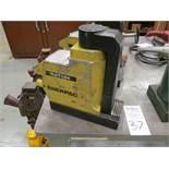 Enerpac Model JTA-176 17 Ton Hydraulic Toe Jack