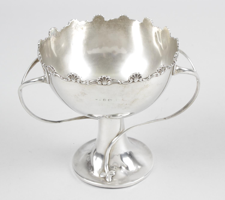 Lot 11 - An Edwardian silver pedestal bowl,