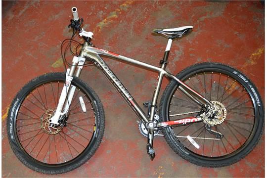 POLICE > A Chris Boardman Bike [VAT ON HAMMER PRICE]