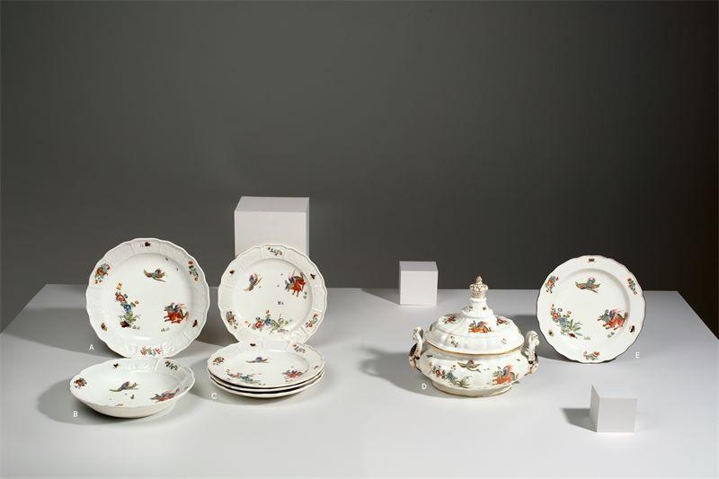 """Porzellanmanufaktur Meissen ()Teller mit """"Koreanischer Löwe""""-Dekor und braunem Rand. Um 1740/"""