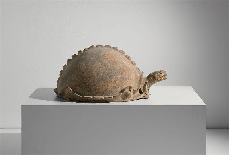 Chinesisch, Han-Dynastie (206 v. Chr. – 220 n. Chr.)Grabbeigabe: Schildkröte – wohl aus der