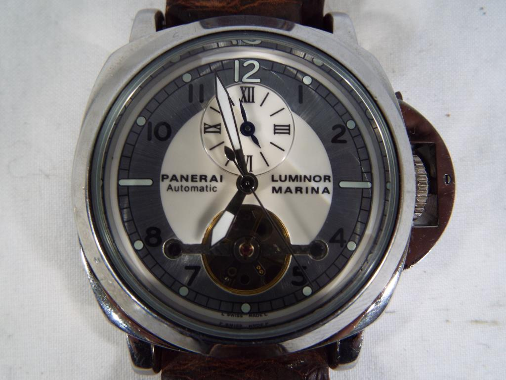 Lot 406 - A gentleman's automatic wristwatch, Arabic numerals to the main dial,